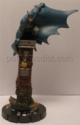 HeroClix: DC Arkham Asylum Batman (Rooftop) Limited Edition Figure (#099)